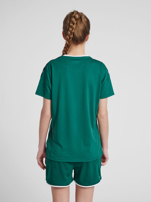 hmlAUTHENTIC POLY JERSEY WOMAN S/S, EVERGREEN, model