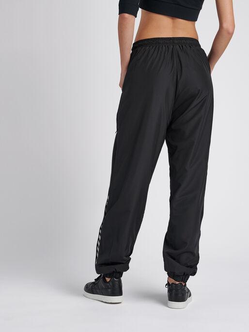 hmlCHRISTAL OVERSIZED PANTS, BLACK, model