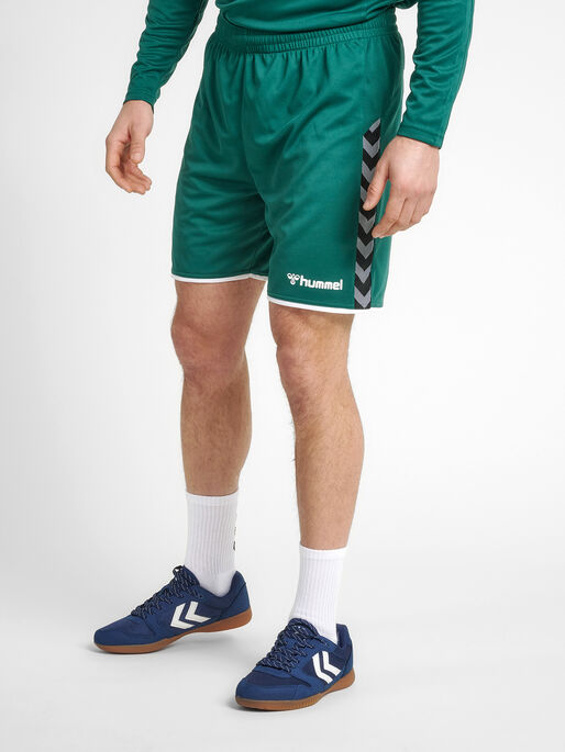 hmlAUTHENTIC POLY SHORTS, EVERGREEN, model