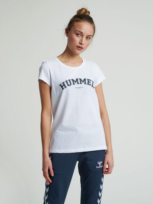 hmlCYRUS T-SHIRT, WHITE, model