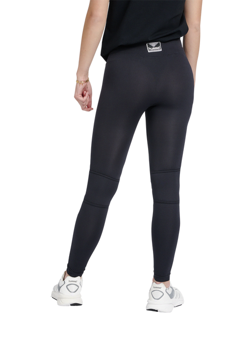hmlHEROINE SEAMLESS TIGHTS , BLACK, model