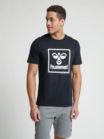 hmlISAM T-SHIRT, BLACK, model