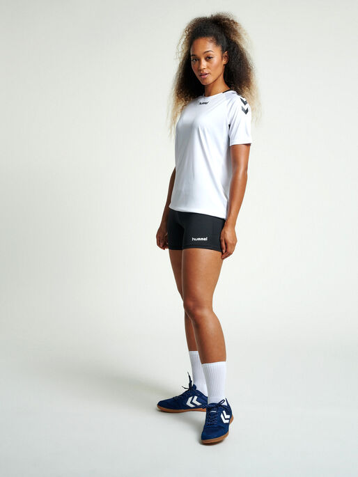 CORE HIPSTER WOMAN, BLACK, model