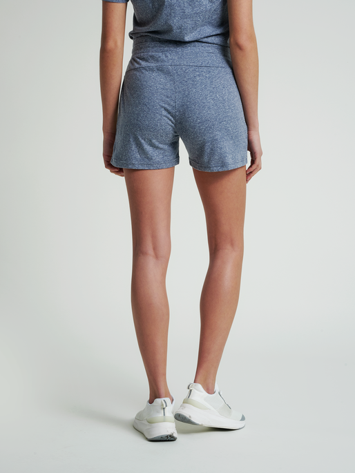 hmlZANDRA SHORTS, BLUE NIGHTS MELANGE, model