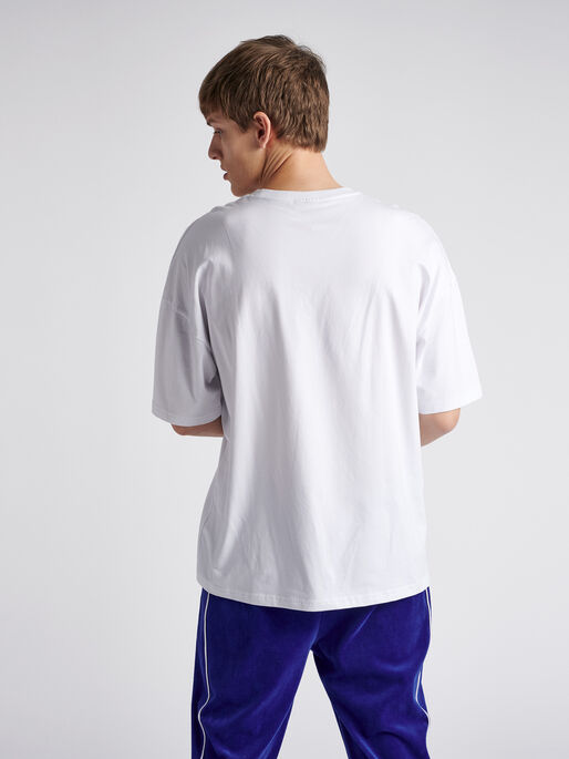 hmlINSIDE REEF LOOSE T-SHIRT S/S, WHITE, model