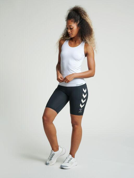 hmlMACI CYCLING SHORTS, BLACK, model