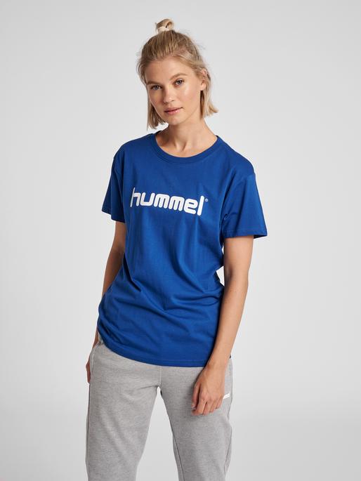 HUMMEL GO COTTON LOGO T-SHIRT WOMAN S/S, TRUE BLUE, model