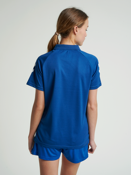 CORE FUNCTIONAL POLO WOMAN, TRUE BLUE, model