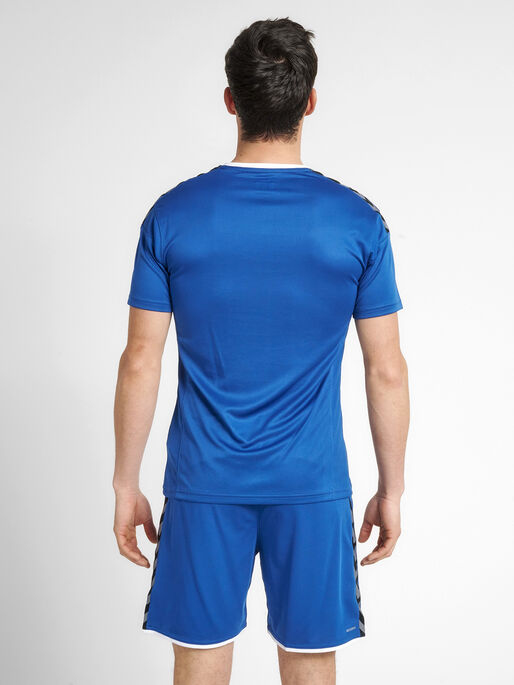 hmlAUTHENTIC POLY JERSEY S/S, TRUE BLUE, model