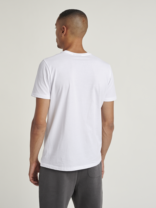hmlPARSON T-SHIRT, WHITE, model