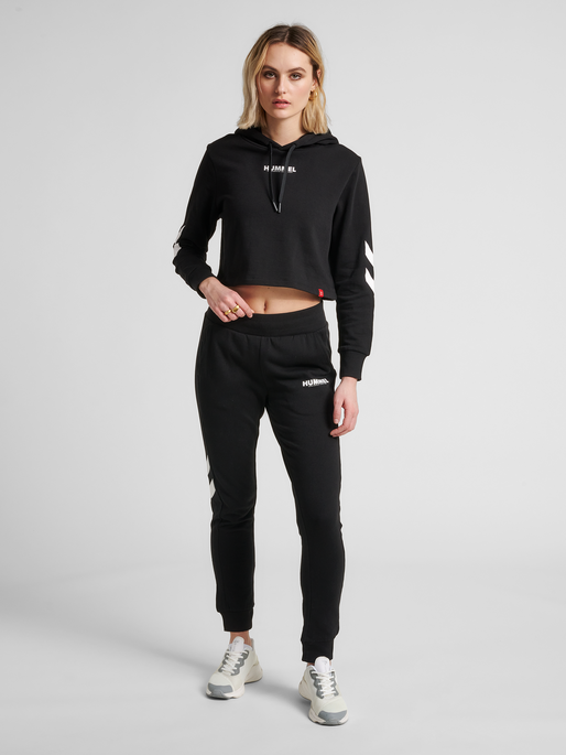 hmlLEGACY WOMAN CROPPED HOODIE, BLACK, model
