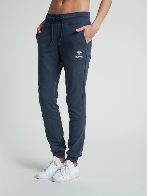 hmlNONI REGULAR PANTS, BLUE NIGHTS, model