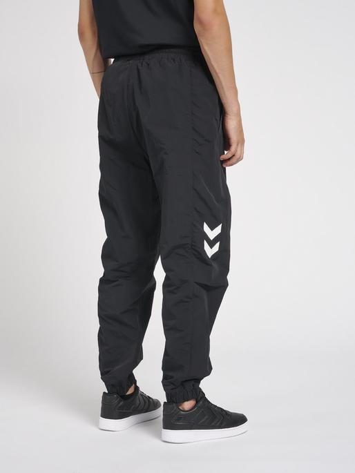 hmlLGC MUSA WOV REGULAR PANTS, BLACK, model