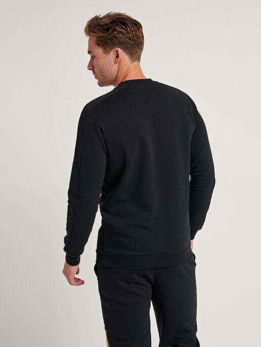 hmlAIDAN SWEATSHIRT, BLACK, model