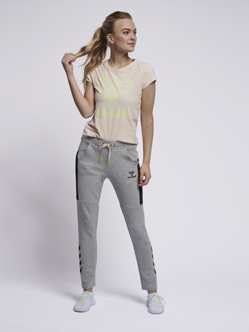 hmlNIRVANA SLIM PANTS, GREY MELANGE, model