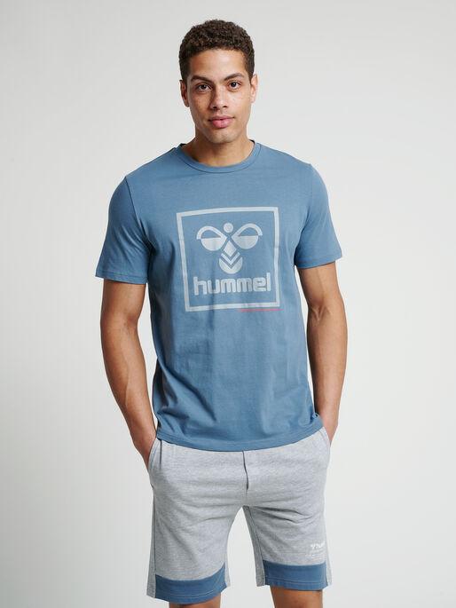 hmlISAM T-SHIRT, CHINA BLUE, model