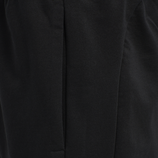 hmlACTION COTTON SHORTS, BLACK/FIESTA, packshot