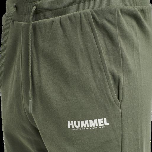 hmlLEGACY SHORTS, BEETLE, packshot