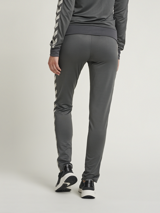 HMLNELLY PANTS, MAGNET, model