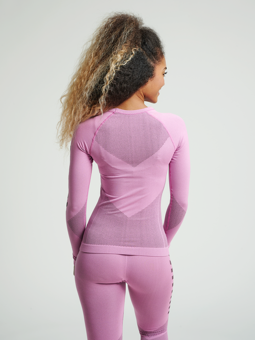 HUMMEL FIRST SEAMLESS JERSEY L/S WOMAN, COTTON CANDY, model